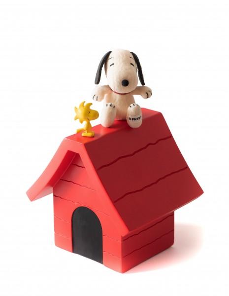 Steiff 658297 Snoopy 9 cm sitzend mit Hütte und Woodstock