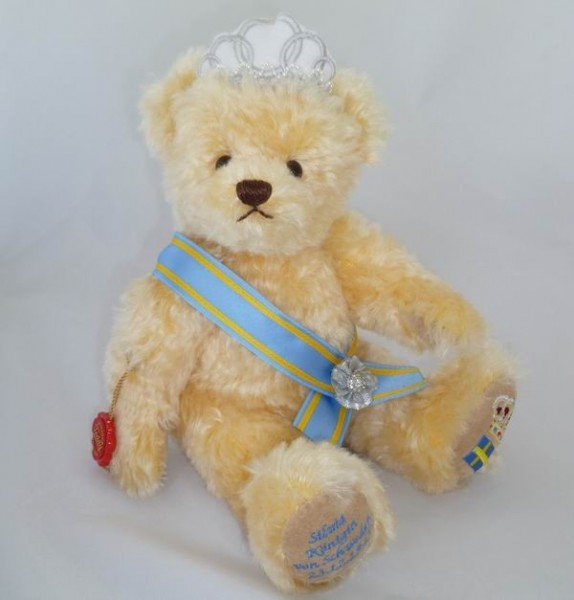 Teddy Hermann 175049 Teddybär Königin Silvia von Schweden 30 cm